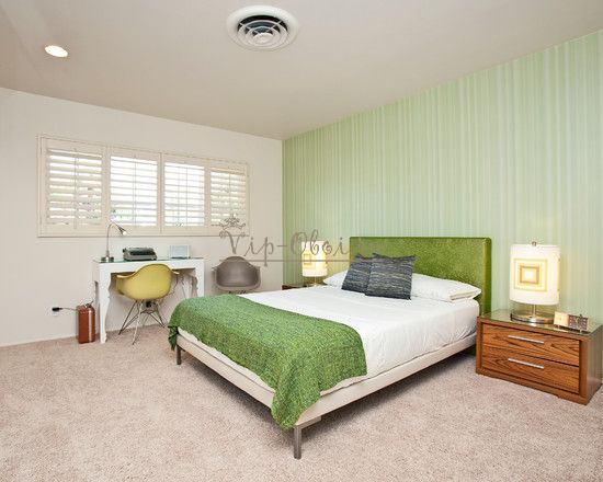 обои в спальне фото зеленые