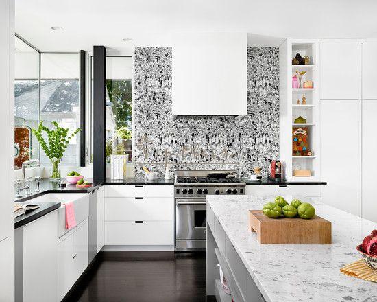 Обои с черно-белым узором на кухню