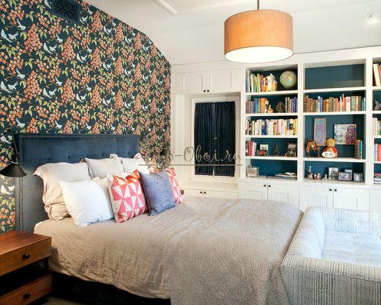 Яркие обои для спальни с цветочным рисунком