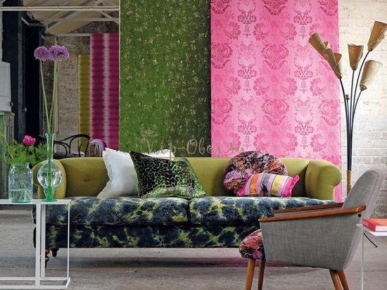 Розовый дизайн обоев для гостиной