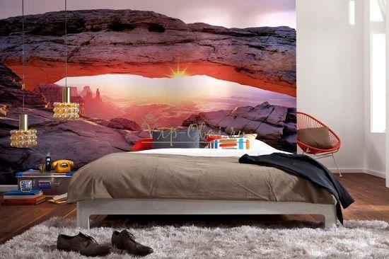 Природа на обоях в спальне