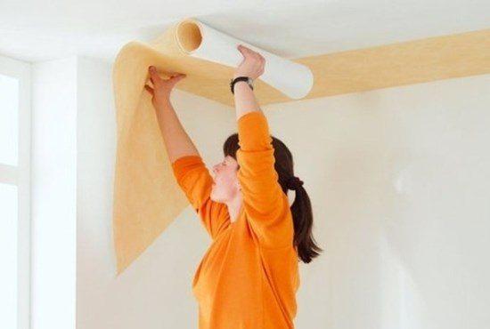 Поклейка обоев на потолок: фото