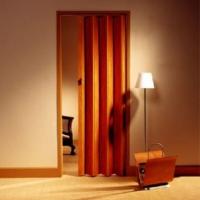 Складные двери из массива ольхи: фото