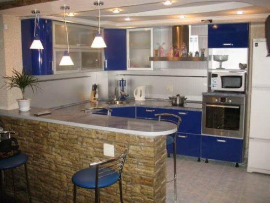 Кухня с барной стойкой: фото