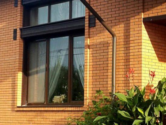 Окна для коттеджей: фото