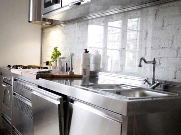 кирпичная стена на кухне - 3